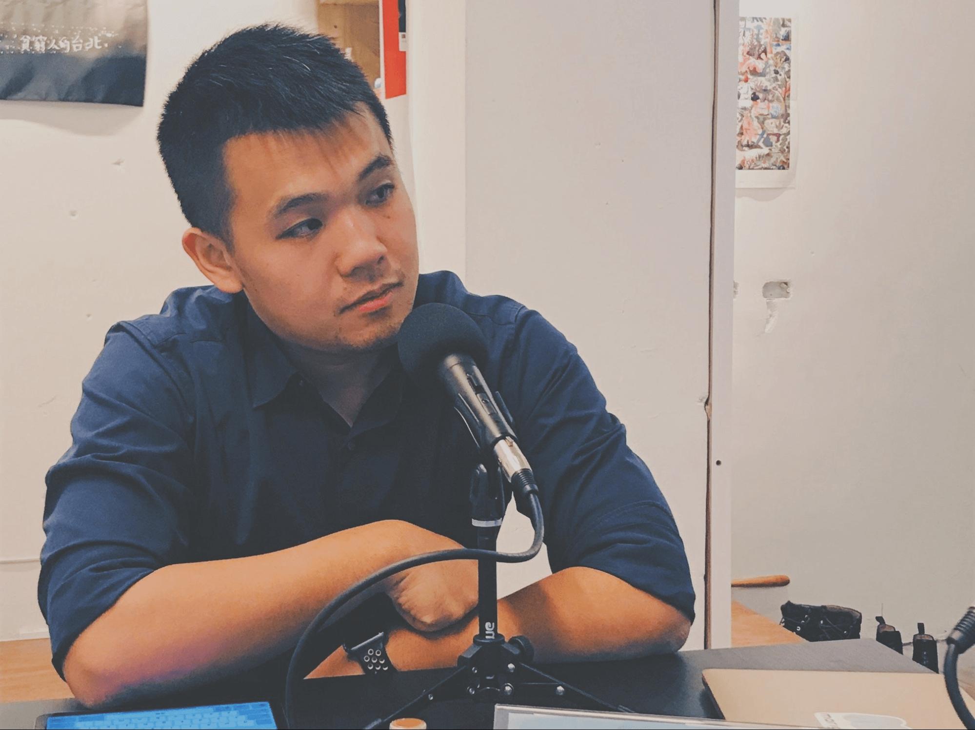 法律白話文運動的站長也是法克電台的主持人:楊貴志(法律白話文運動)